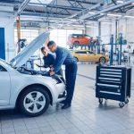 Bespaar op je auto-onderhoud met deze tips